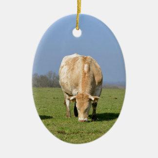 Vacas en campo adorno ovalado de cerámica