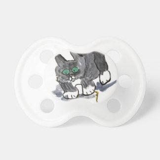 Vacilación del hilado por el gatito nervioso chupete de bebé