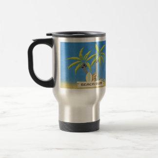 Vago, tablas hawaianas, palmeras y arena de la taza de viaje de acero inoxidable