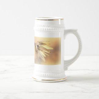 Vaina vacía de la semilla del álamo de tulipán jarra de cerveza