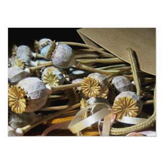 Vainas secadas de la amapola de la flor invitación 13,9 x 19,0 cm