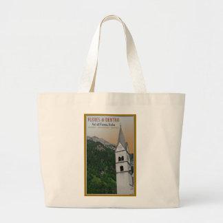 Val di Fleres - iglesia en las montañas Bolsa
