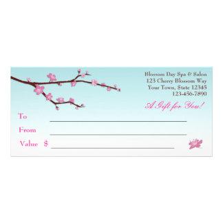 Vale de la rama de la flor de cerezo tarjeta publicitaria