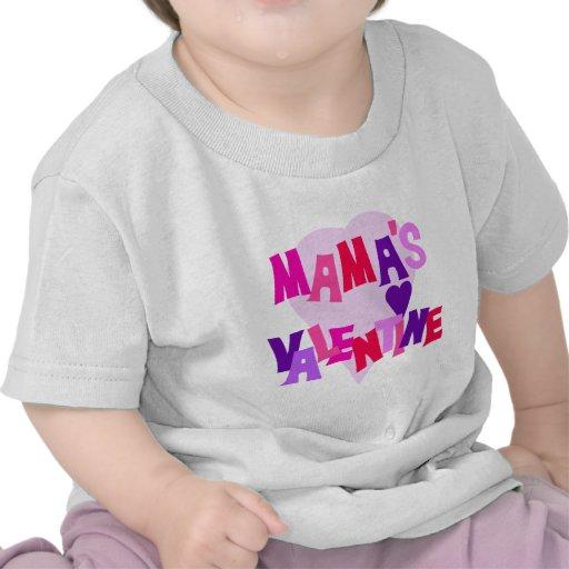 Valentine de los colores del corazón de mamá camisetas