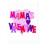 Valentine de los colores del corazón de mamá postal