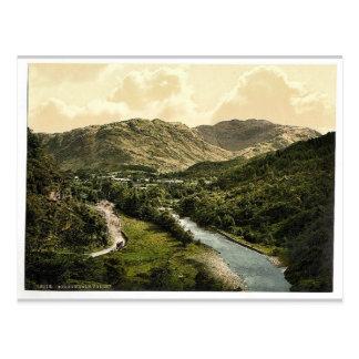 Valle de Borrowdale, de la piedra de Bowder, lago  Tarjetas Postales