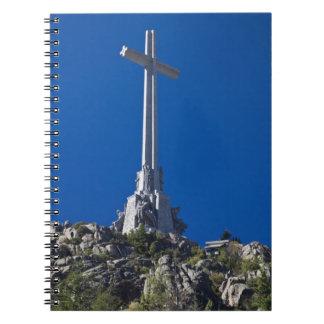 Valle de la haber caído monumento cuaderno