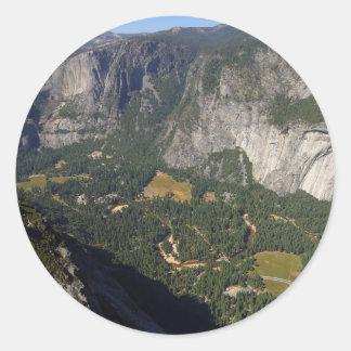 Valle de Yosemite visto de punto del glaciar Pegatinas Redondas