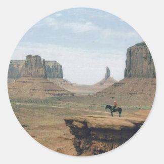 Valle del monumento con el vaquero pegatina redonda