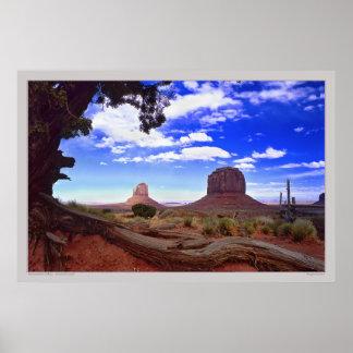 Valle del monumento - tierra sagrada poster