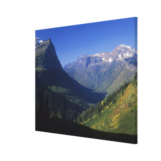 Valle glacial en forma de U en las montañas roco Impresión De Lienzo