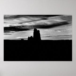 Valle negro y blanco del monumento de la foto póster