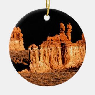 Valle Utah del Goblin de las rocas Adorno Navideño Redondo De Cerámica
