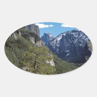 Valle Vista Yosemite de la montaña Pegatina Ovalada