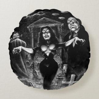 Vampira Plan 9 zombies Round Pillow