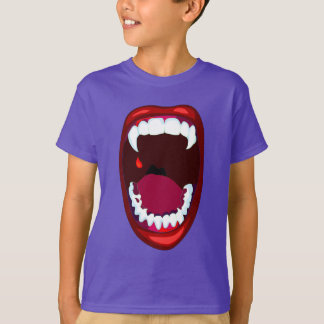 Vampire Fangs Campy Horror Show Teeth Red Lips T-Shirt