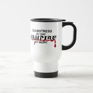 Vampiro de la costurera por noche taza térmica