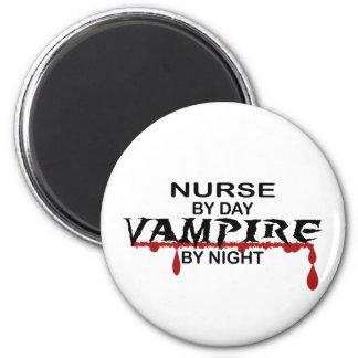 Vampiro de la enfermera por noche imán redondo 5 cm