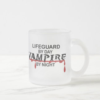 Vampiro del salvavidas por noche taza de café esmerilada