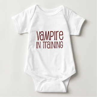 Vampiro en el entrenamiento body para bebé