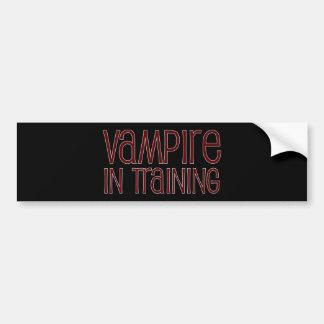 Vampiro en el entrenamiento pegatina de parachoque