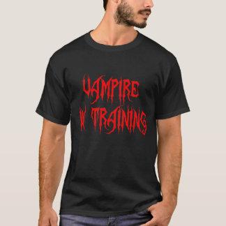 Vampiro en el entrenamiento de la camiseta de