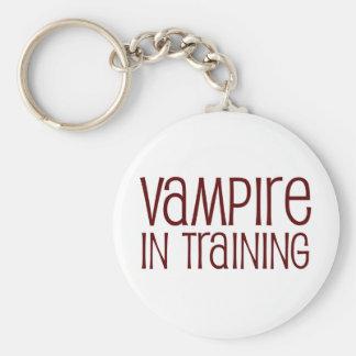Vampiro en el entrenamiento llavero redondo tipo pin