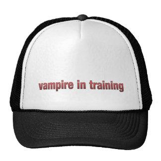 vampiro en gorra del entrenamiento
