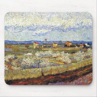 Van Gogh - La Crau con los árboles de melocotón en Alfombrilla De Ratón