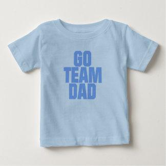 Van las camisetas del papá del equipo remera