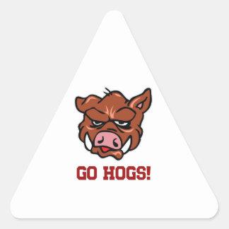 ¡Van los cerdos! Pegatina Triangular