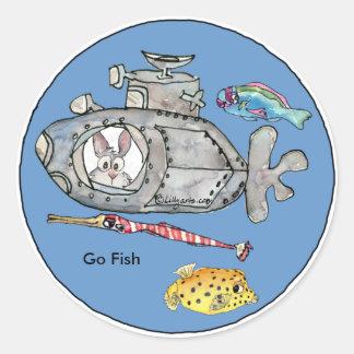 Van los pescados cargan a sus pegatinas del pegatina redonda