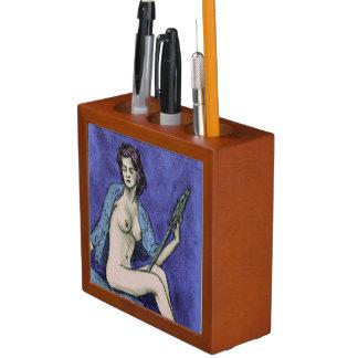 vanidad: desnudo femenino artístico en carbón de portalápices