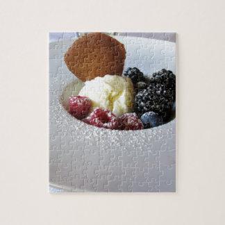 Vanilla ice cream with berries puzzle