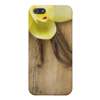 Vanilla Pods and Flower over Wooden Background Case For iPhone SE/5/5s