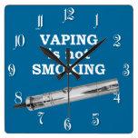 Vaping no está fumando relojes de pared