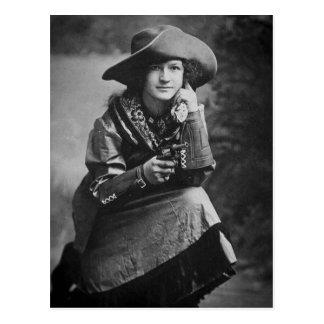 Vaquera del vintage que presenta con su seis tarjetas postales