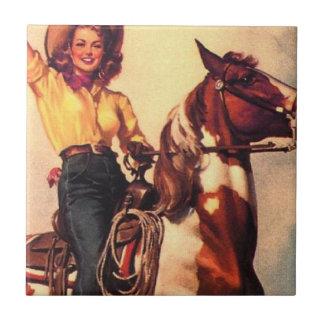 Vaquera en su caballo azulejo cuadrado pequeño