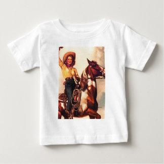 Vaquera en su caballo remeras