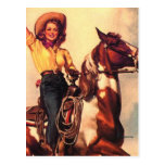 Vaquera en su caballo tarjeta postal