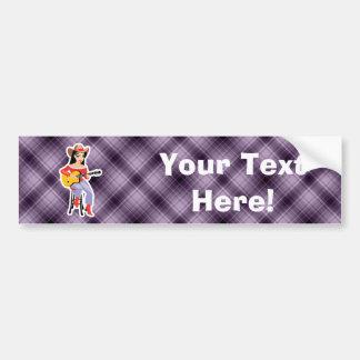 Vaquera púrpura con la guitarra etiqueta de parachoque