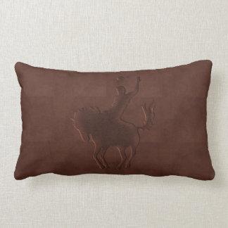 Vaquero de cuero equipado en el caballo (almohada cojín