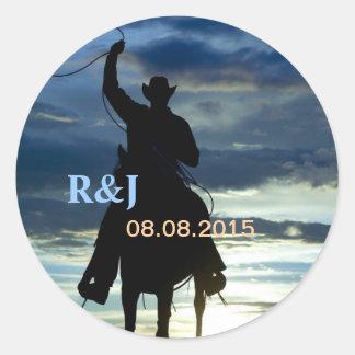 Vaquero de la cuerda del montar a caballo de la etiqueta redonda