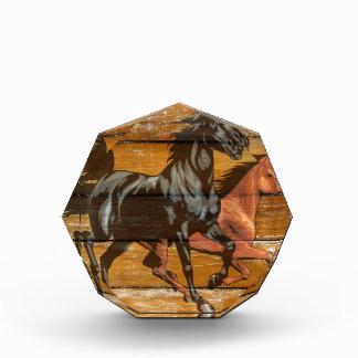 Vaquero de madera del granero de las herraduras de