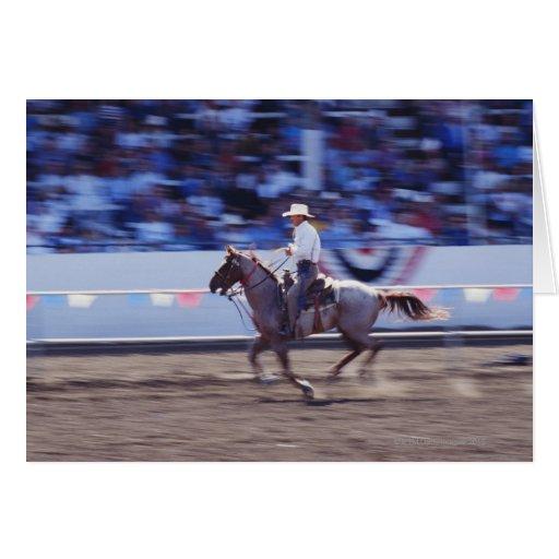 Vaquero en el rodeo tarjeta de felicitación