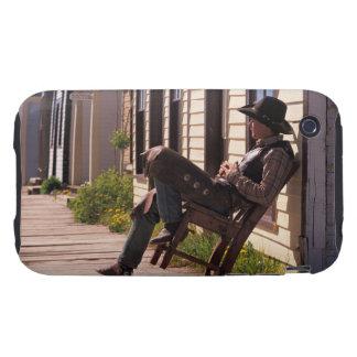 Vaquero en silla en paseo marítimo en Park City Tough iPhone 3 Protector