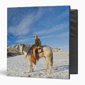 """Vaquero en su caballo en la nieve 2 carpeta 1 1/2"""""""