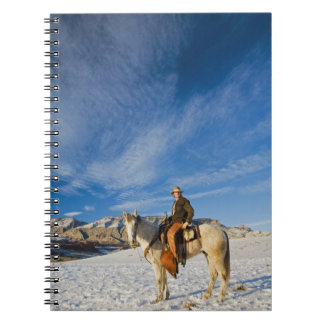 Vaquero en su caballo en la nieve 2 note book