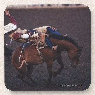 Vaquero en un rodeo 2 posavaso