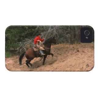 Vaquero que monta cuesta arriba iPhone 4 fundas